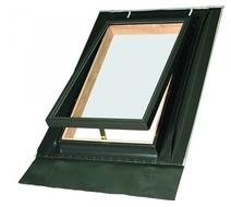 Мансардное среднеповоротное деревянное окно